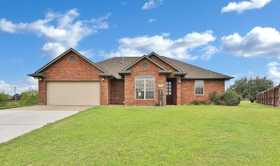 Enid  Single Family Home For Sale: 708 Cougar Lane