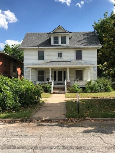 Enid  Single Family Home For Sale: 411 W Pine Ave