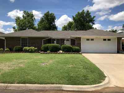 Enid Single Family Home For Sale: 2517 Larkspur