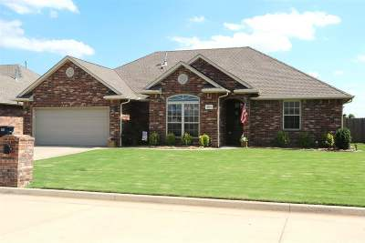 Enid  Single Family Home For Sale: 5301 Grizzly Lane