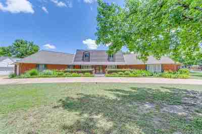 Single Family Home For Sale: 2020 Indian Drive
