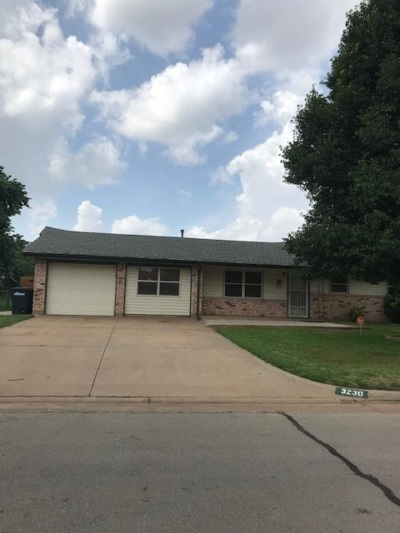 Single Family Home For Sale: 3230 Brooks Dr