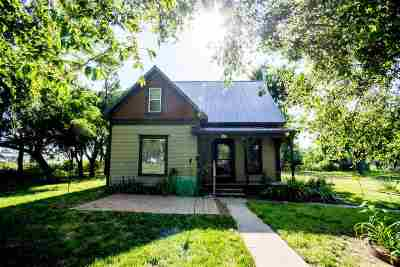 Single Family Home For Sale: 259 B Street