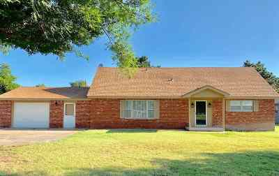 Single Family Home For Sale: 2420 Richmond Rd