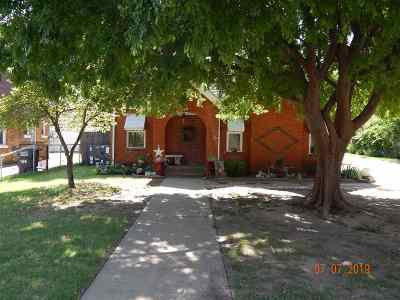Single Family Home For Sale: 414 S Garfield