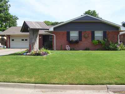 Enid OK Single Family Home For Sale: $129,900