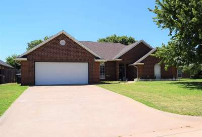 Enid OK Single Family Home For Sale: $259,900