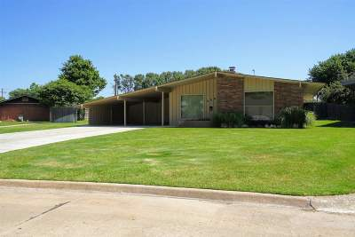 Enid OK Single Family Home For Sale: $204,900