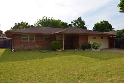 Enid OK Single Family Home For Sale: $126,900