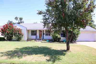 Enid OK Single Family Home For Sale: $159,900