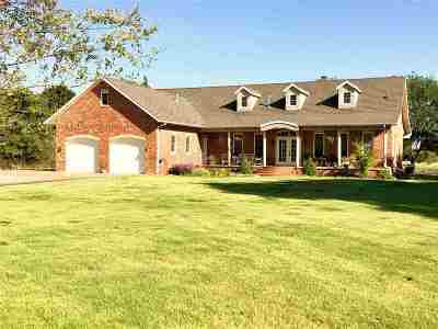 Single Family Home For Sale: 268163 Deer Run
