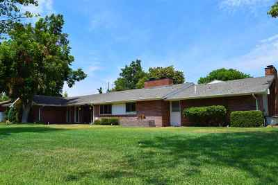 Single Family Home For Sale: 1502 Vinita