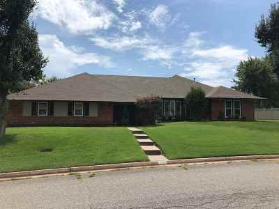 Single Family Home For Sale: 2611 Old Mallard