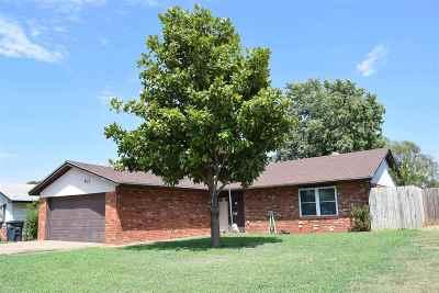 Enid Single Family Home For Sale: 933 Wildoak