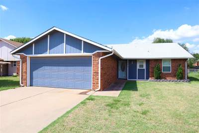 Enid OK Single Family Home For Sale: $124,900