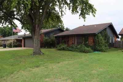 Enid Single Family Home For Sale: 1102 Canary Lane