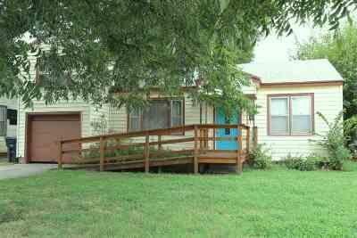 Single Family Home For Sale: 1810 E Cedar Ave