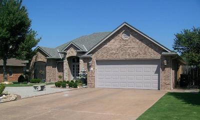Enid  Single Family Home For Sale: 3819 Rockwood Rd