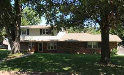 Enid  Single Family Home For Sale: 2712 Bob White Ln