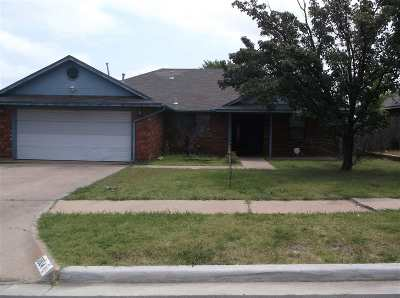 Comanche County Single Family Home For Sale: 1804 SW 39th St