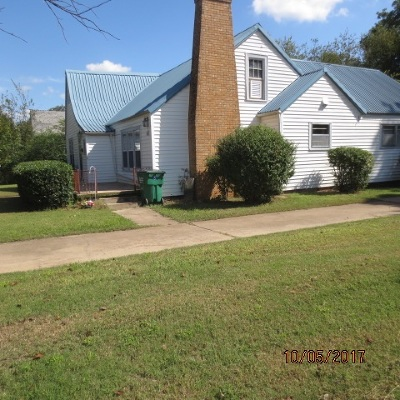 Walters Single Family Home For Sale: 214 E Texas St