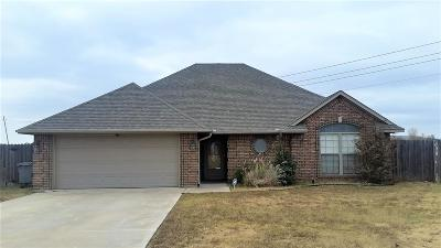 Lawton Single Family Home For Sale: 5435 NW King Richard Ave