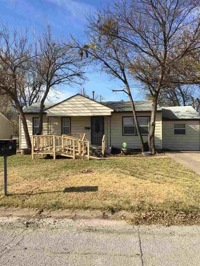 Lawton Single Family Home For Sale: 215 SW 23rd Pl