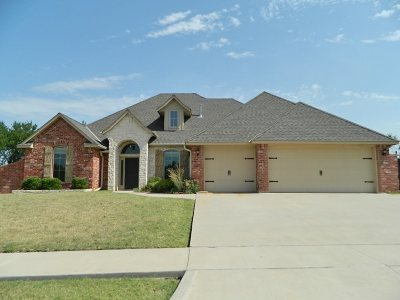 Lawton Single Family Home For Sale: 3332 NE Brentwood Dr
