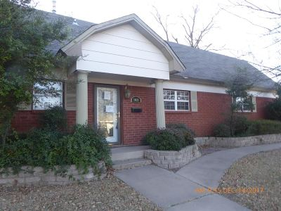 Lawton Single Family Home Under Contract: 1821 NW 22nd St