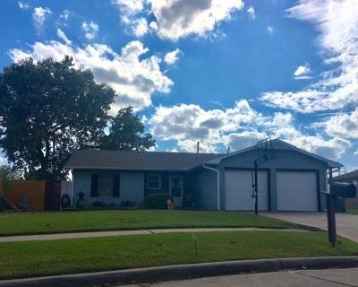 Lawton Single Family Home For Sale: 6422 NW Arrowhead Dr
