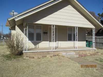 Walters Single Family Home For Sale: 301 E Wyoming