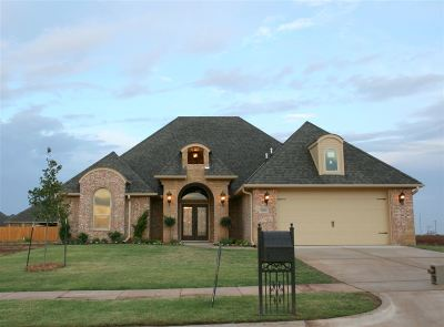 Lawton Single Family Home For Sale: 2608 SW 70th St