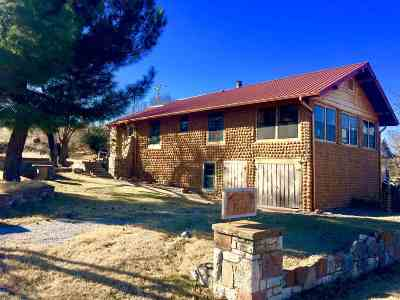 Medicine Park Single Family Home For Sale: 186 W Lake Dr & 18595 State Hwy 49