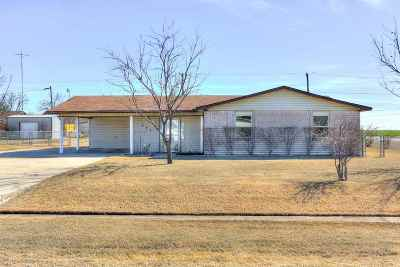 Cotton County Single Family Home For Sale: 634 W Oklahoma