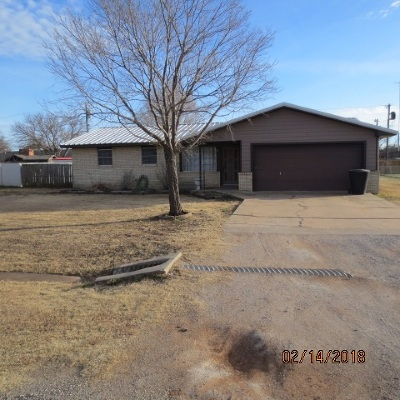 Cotton County Single Family Home For Sale: 630 W Oklahoma