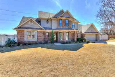 Lawton Single Family Home Under Contract: 5001 NE Bell Ave