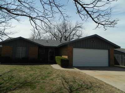 Lawton Single Family Home For Sale: 4715 SE Sunnymeade Dr