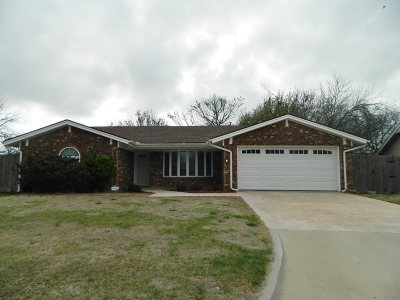 Lawton Single Family Home For Sale: 3812 SE Berkshire Ct