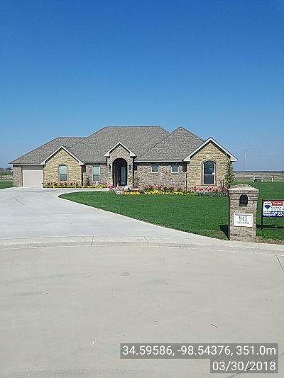 Lawton Single Family Home Under Contract: 841 SW Azusa Cir