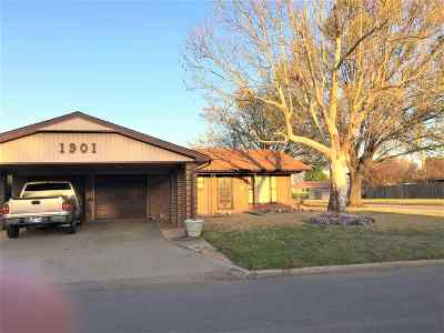 Lawton Single Family Home For Sale: 1901 NW Great Plains Blvd