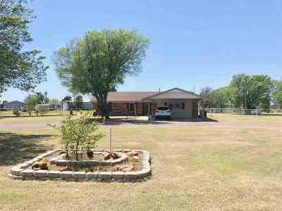 Cache Single Family Home For Sale: 1021 SW Post Oak Rd