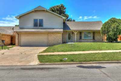 Lawton Single Family Home For Sale: 707 SW Normandy Ave