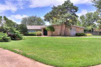 Lawton Single Family Home Under Contract: 110 NW 36th St