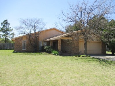 Lawton Single Family Home For Sale: 231 Curts Dr