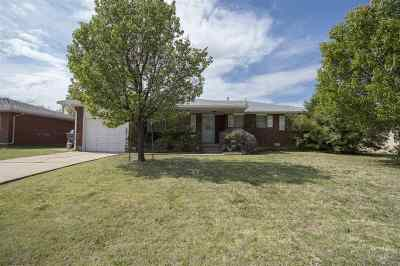 Lawton Single Family Home For Sale: 4517 SW Cherokee Ave