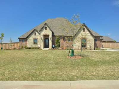 Lawton Single Family Home For Sale: 715 Zoe Dr