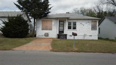 Lawton Single Family Home For Sale: 813 NE Carver Ave