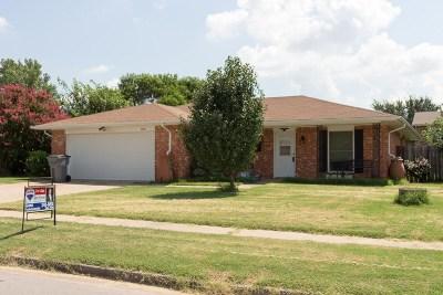 Lawton Single Family Home For Sale: 2605 NW Cedric Cir