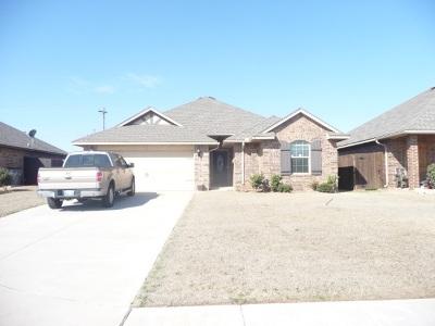 Lawton Single Family Home Under Contract: 2411 SW Edinburough Dr