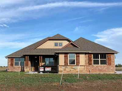 Cache Single Family Home For Sale: 126 SW Elk Creek Loop